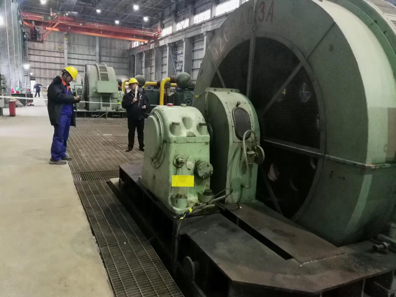 走进青海西宁现场检修2800千瓦同步电机6台。